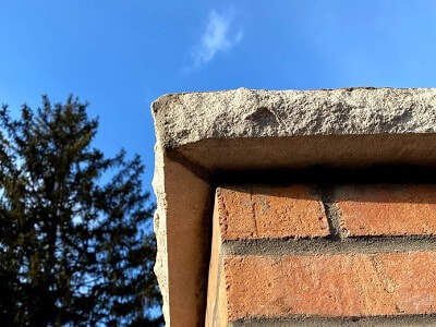 Chimney crown overhang